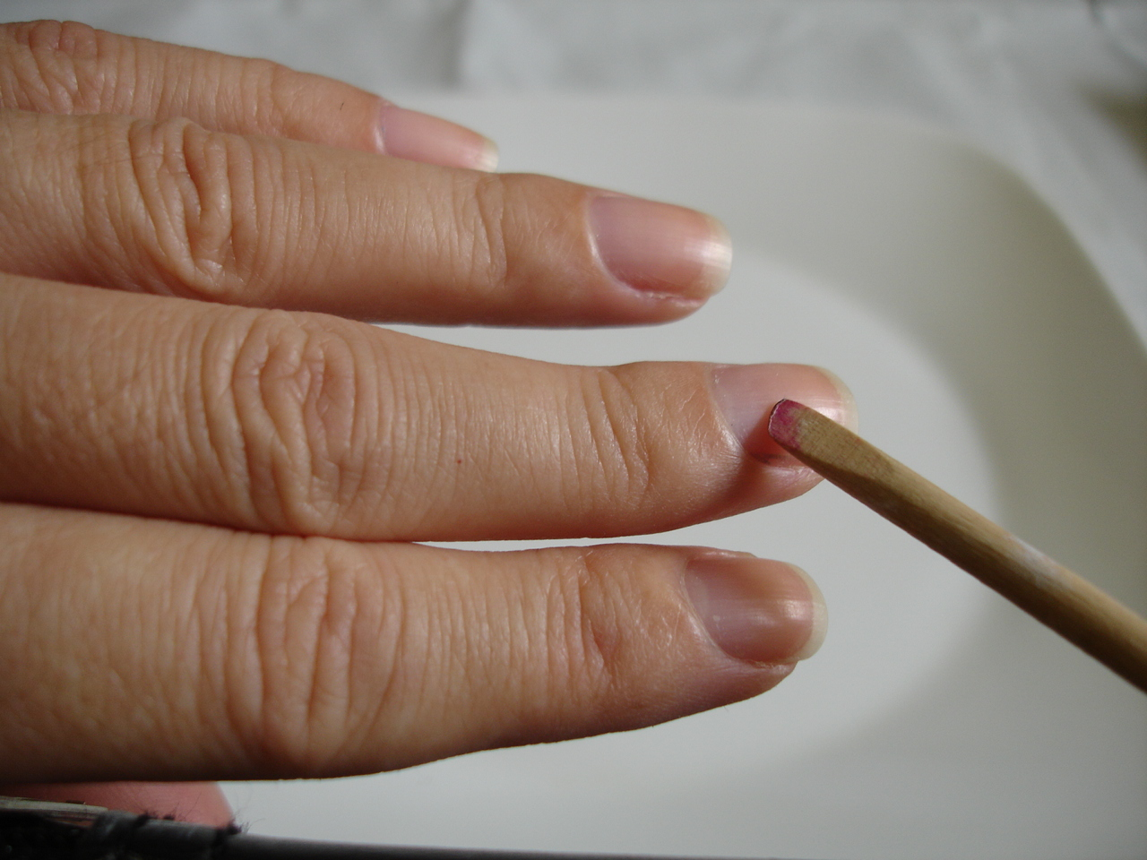 How to do a manicure do it yourself manicure solutioingenieria Image collections
