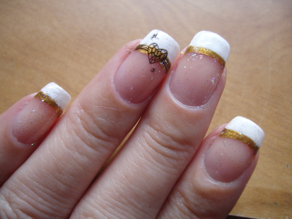 NOTD French Manicure with Gold & Accent Nail